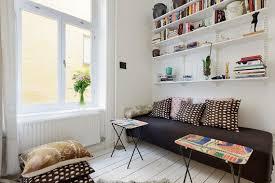 trasformare un letto in un divano arredare un salotto con zona notte casa e trend
