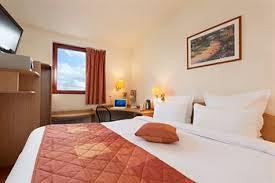 Comfort Hotel Paris La Fayette Comfort Inn Hotels Near Charles De Gaulle Airport Airport