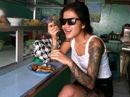 tato keren wanita indonesia tato kopi dan pena