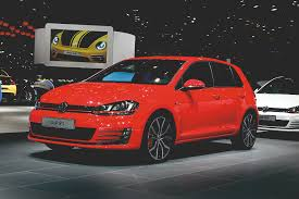 volkswagen geneva 2014 volkswagen golf gti revealed at the geneva motor show