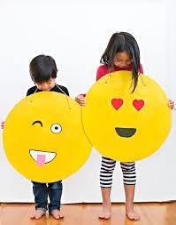 emoji costume easy diy cardboard emoji costume