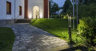 How To Install Landscape Lighting How To Choose And Install Landscape Lighting Certified Lighting