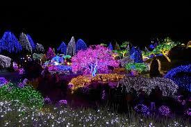 best christmas lights in the world illuminating travel experiences around the world
