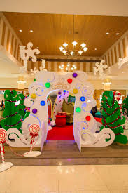Commercial Christmas Decorations Ideas by 154 Best Commercial Holiday Decor Images On Pinterest Holiday