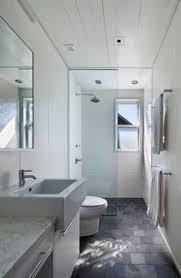 º Baño  Pinteres - Narrow bathroom design