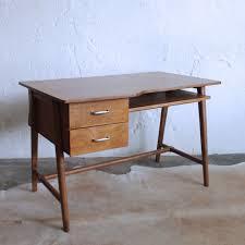 petit bureau vintage bureau vintage jacques hitier atelier du petit parc