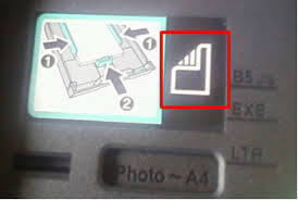 how do i which side up my photo paper should be in the tray
