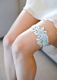 wedding garters size matters how to get a fit for your wedding garter