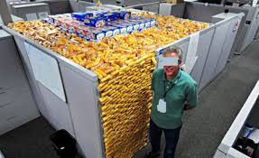 Office Desk Prank These Are The 23 Meanest Office Pranks The Last One Is