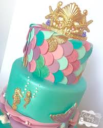 mermaid cakes this weekend was all about mermaids fondant tiara gold shimmer
