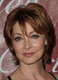 short hairstyles for round faces with glasses hairstyle for
