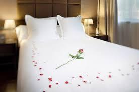 chambre amoureux comment décorer votre chambre pour une nuit romantique