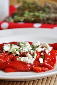cuisiner les poivrons rouges recette salade de poivrons rouges à la fêta et aux herbes 750g