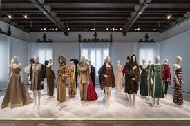 Isaac Mizrahi Sheets Isaac Mizrahi U0027s Fashion History