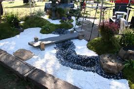 Idee Decoration Jardin Pas Cher by Decoration Jardin Zen Sur Idees De Interieure Et Exterieure