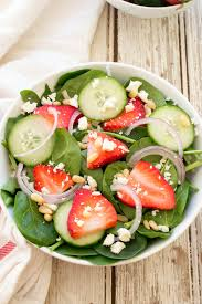 strawberry spinach salad with creamy poppyseed dressing
