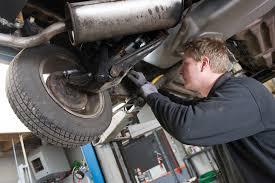 lexus mechanic atlanta signs that your car needs an auto mechanic ozzi u0027s automotive