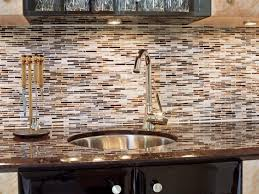 simple kitchen backsplash ideas light brown cabinets countertops