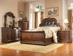 Bedroom Furniture Classic Chic Bedroom Black Wooden Craigslist Bedroom Sets For Chic Bedroom