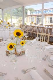 Table Six Restaurant Sunflowers Centerpiece Table 6 Six Wedding Decoration Stock