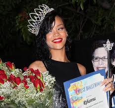 party city halloween 2012 celeb pix what u0027s up with the crown rihanna u2013 the mercury news