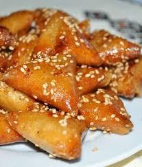 cuisine de choumicha briouates aux amandes choumicha cuisine marocaine choumicha