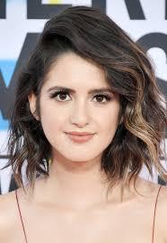 laura marano new cut hair style new short hair style laura marano short wavy cut short hairstyles lookbook stylebistro