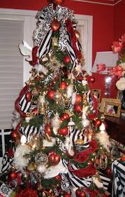 White Christmas Tree With Black Decorations Green Christmas Tree With Red And White Baubles Completed By Black