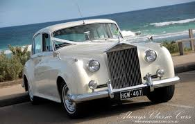 wedding rolls royce choosing the right car for your wedding day