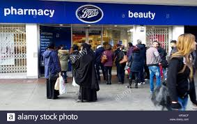 boots buy collect in store wood green 26 dec 2016 queue outside boots