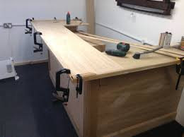 Building A Wood Desktop by Best 25 L Shaped Bar Ideas On Pinterest Small Man Caves Small