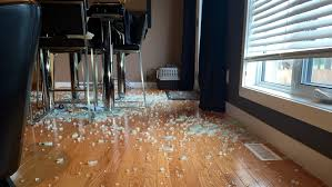 Niverville Family Says Glass Table Exploded In Their Home - Glass top dining table montreal
