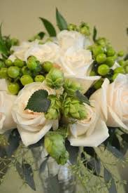 chesters flowers wedding with hops and saranac bottle caps by chester s flowers in