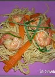 cuisine dietetique nouilles sautées aux crevettes et légumes diététique