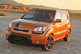 cube cars kia kia soul reviews kia soul price photos and specs car and driver
