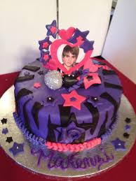 justin bieber cake everything u0027s ediable and made from fond