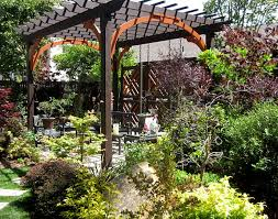 Pergola Design Ideas Turn Your Garden Into A Peaceful Refuge - Backyard arbor design ideas