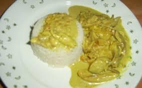 cuisiner avec du lait de coco recette poulet curry avec lait de coco économique et simple
