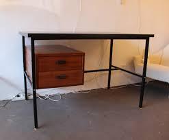 bureau guariche bureau vintage noir et acajou dans le goût de guariche