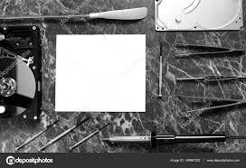 le de bureau blanche photo noir et blanc de la feuille blanche de papier sur le travail