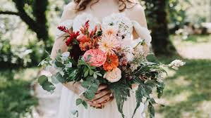 cost of wedding flowers the real cost of wedding flowers instyle