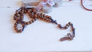 how to make a rosary how to make a shabby chic rosary white lace cottage