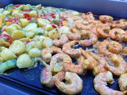 cuisine sur plancha une simple plancha aux couleurs des îles bobstronomie ca se boit