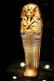 stand firm the king tut exhibition going going u2026