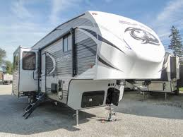 fifth wheel campers toy hauler fifth wheel trailers 2018 stk 7543fw cherokee wolf pack 325pack13 weight 11452 lbs length 40 5
