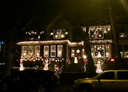 Christmas Decorated Home by Why Mayfair Neighbors Compete In A U0027clark Griswold Extravaganza