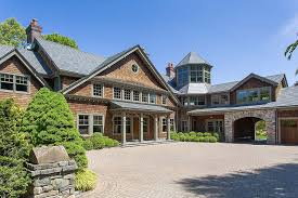 Bedford New York Bruce Willis Is Living Free With 2 Bedford Ny Properties