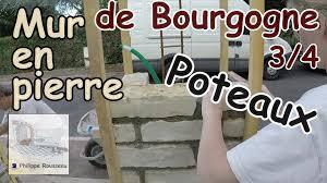 bloc de pierre pour mur monter un mur en pierre partie 3 4 faire un poteau en pierre