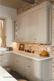 comment repeindre sa cuisine en bois comment repeindre un bureau en bois loverossia com