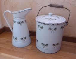 pot de chambre de la broc ou pichet ancien emaille pot de chambre emaille no cafetiere